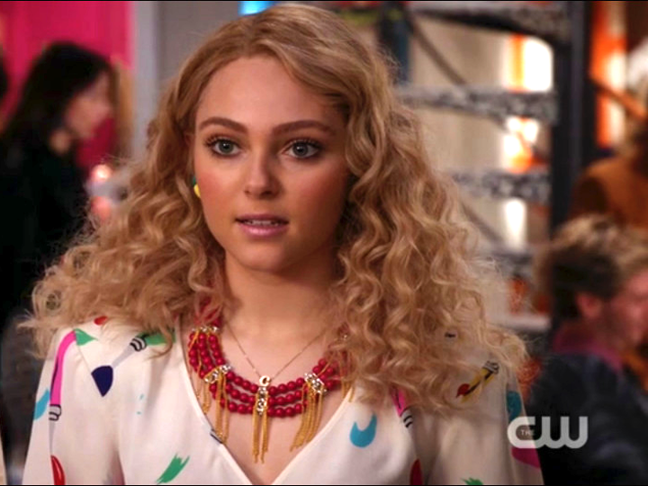 The-Carrie-Diaries-Necklace-2