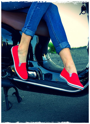A bright punch of color to amp up just about any outfit, this shade of red is the perfect hue to match our passion for the one and only New York City. There's nothing like weaving your way through the al fresco cafes, street markets and warehouse galleries in Manhattan's West Side. Take to the streets with Portovelo's Chelsea Red Classics!  • Classic canvas upper • Cushioned insole with original Portovelo lining design • Nautical elastic gore for comfortable slip-on / off • Slim, light-weight rubber sole for easy on-the-go's • European sizing